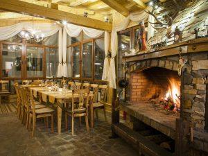 Ресторант Ескалибур – Комплекс Замъка Пампоровo